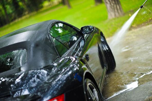【自動車】車好きが郊外に別荘を購入したがる理由