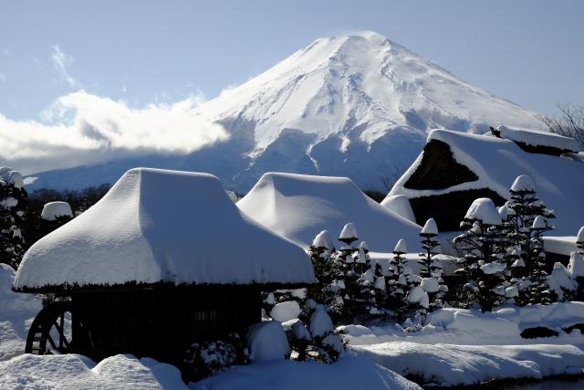 【観光】冬も見どころ満載!避暑地・山中湖で楽しめるこの時期の風物詩