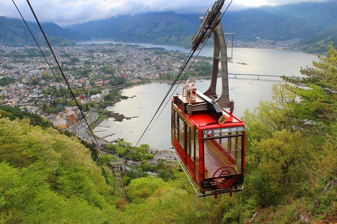 【観光】日本一の山も季節モノ!絶景ロープウェイスポットで初夏の富士山を写真に