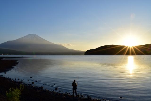 【釣り】初夏の山中湖でバスフィッシングを楽しむ方法