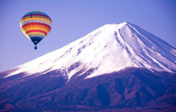 【熱気球体験】大空の特等席で非日常を満喫できる冬の富士山アクティビティ