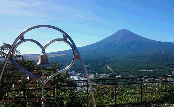 初夏の富士山を楽しめる絶景ロープウェイスポット