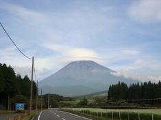 富士山のふもとにソバ畑