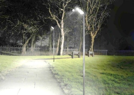 別荘地内のすべての街路灯にLEDを導入いたします。
