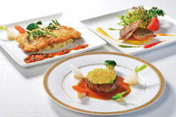 今年のGWも、富士ゴルフコースのレストランは 夜9時まで営業いたします。
